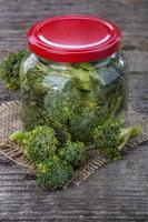 broccoli in scatola foto