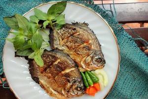 pesce pomfret foto