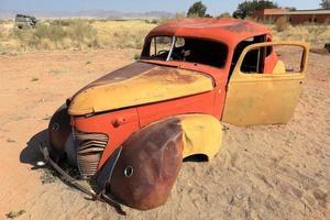 schrottautos in namibia foto