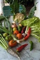 bodegon rustico de verduras esterno foto