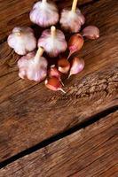 aglio su legno. foto