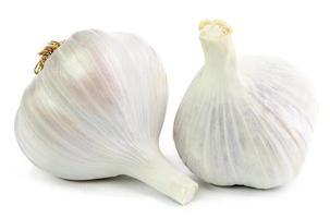 aglio isolato su bianco foto