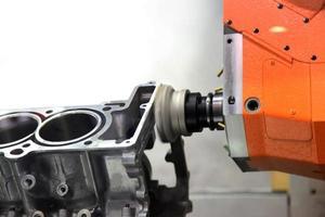 produzione di motori automobilistici foto