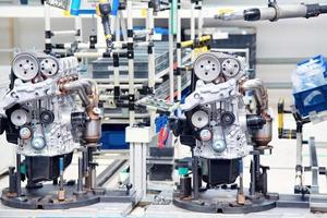 produzione di motori per automobili