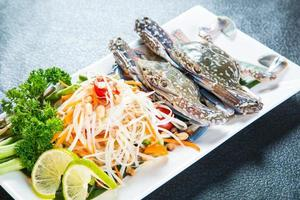 insalata di papaya tailandese foto
