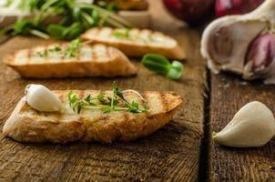 pane tostato aglio tostato foto