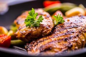 petto di pollo grigliato in diverse varianti