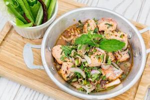 insalata di salmone piccante