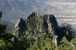 montagne frastagliate