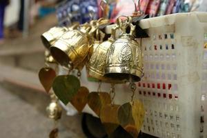 campana di bronzo da adorare