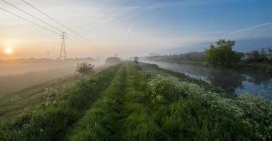 mattina fiume 2 foto