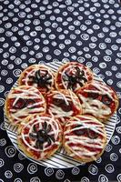 mini pizze decorate per un halloween