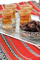 datteri e tè per il ramadan foto