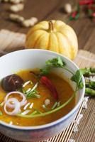 zuppa di zucca con funghi