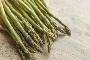 asparagi freschi