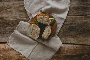sandwich sul tavolo