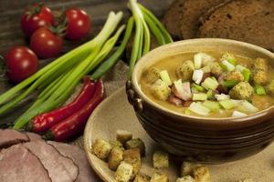 deliziosa zuppa di piselli cucina casalinga