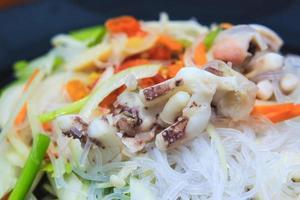 insalata piccante di vermicelli foto