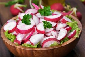 insalata di ravanello foto