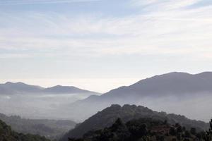 paesaggio nebbioso foto