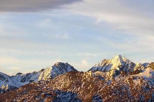 paesaggio di alta montagna foto
