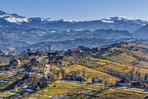 paesaggio montano di campagna foto