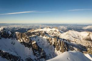 paesaggio montano invernale