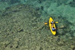 kayak nel blu foto