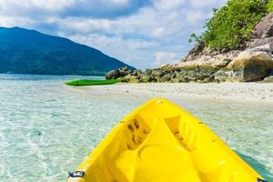 di fronte al mare in kayak sull'isola di Lipe foto
