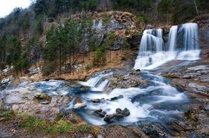 cascata in inverno foto
