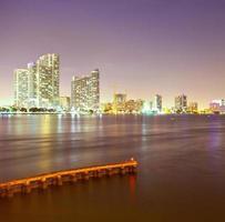 città di miami florida, skyline notturno foto