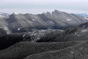 montagne a cascata, nello stato di washington
