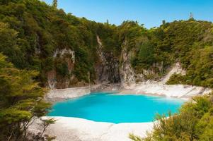 lago del cratere inferno