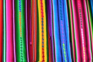 tessuti Maya colorati guatemala nel mercato di Antigua