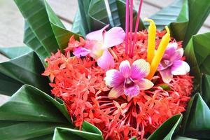 festival del loy kratong celebrato in Tailandia, durante il moo pieno foto