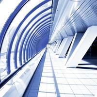 corridoio viola in tubo foto