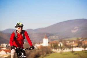 ciclista di mountain bike