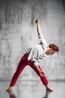 ballerina contemporanea
