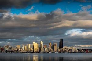 skyline di Seattle al tramonto