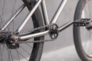 foto ravvicinata della catena della bicicletta