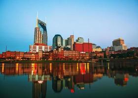 paesaggio urbano del centro di Nashville al mattino foto