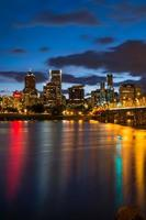 Portland Oregon durante la notte foto