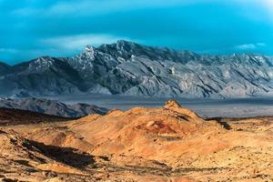arcobaleno vista valle del fuoco nevada foto