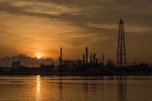 impianto di raffineria di petrolio di Bangkok foto