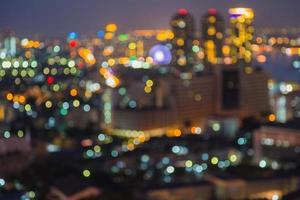 bokeh della luce notturna della città di Bangkok