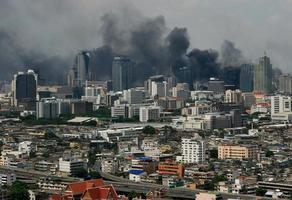 Bangkok che brucia foto
