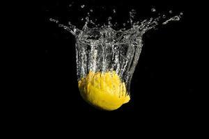 spruzzata di limone foto
