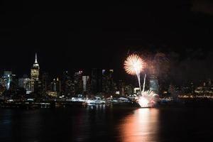 fuochi d'artificio di notte foto