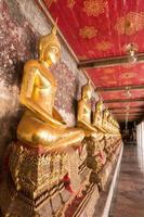 statua di Buddha nel tempio foto