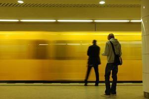 nella stazione della metropolitana
